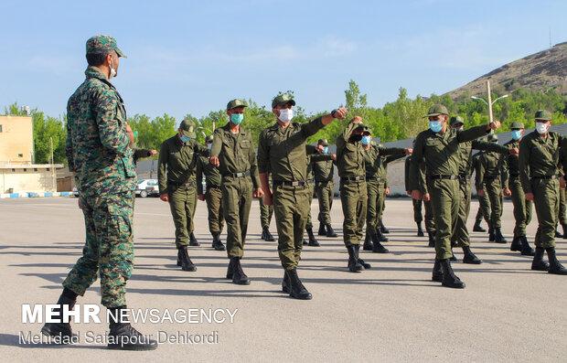 تصویر به مناسبت هفته ناجا؛                 بخشش اضافه خدمت و اعطاء مرخصی تشویقی به سربازان ناجا